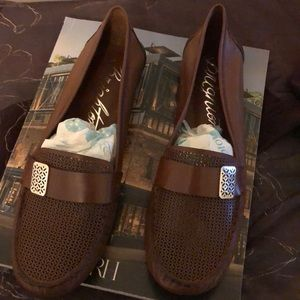 Never Been Worn - Brighton brown leather shoes